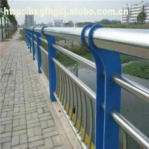 不锈钢复合管防撞桥梁护栏批发低价