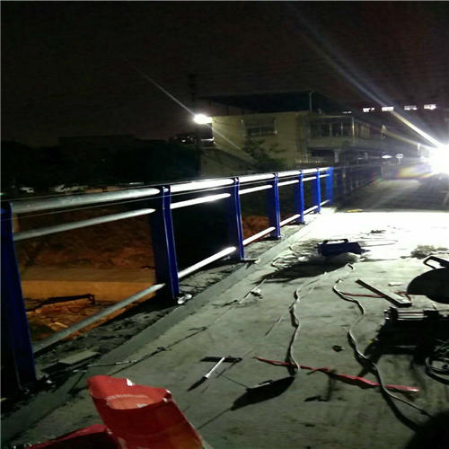 丰台不锈钢复合管防撞桥梁护栏销量全国