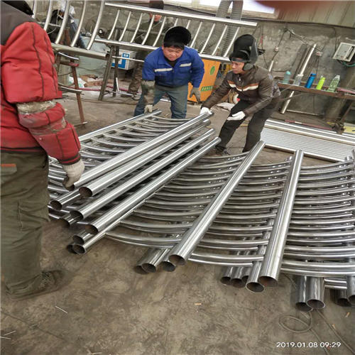 丰台不锈钢复合管防撞桥梁护栏生产线