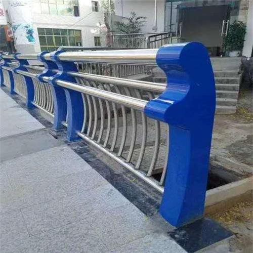 防撞桥梁钢板立柱供应商