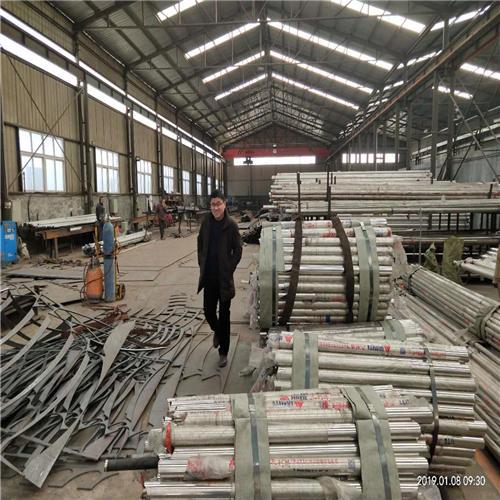昌平不锈钢碳素钢复合管桥梁护栏钢板立柱如假包换