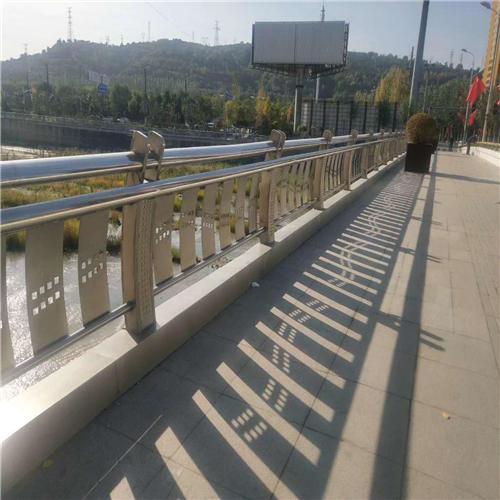 朝阳不锈钢碳素钢复合管桥梁护栏钢板立柱制造厂
