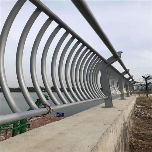 丰台不锈钢碳素钢复合管桥梁护栏钢板立柱厂家供应