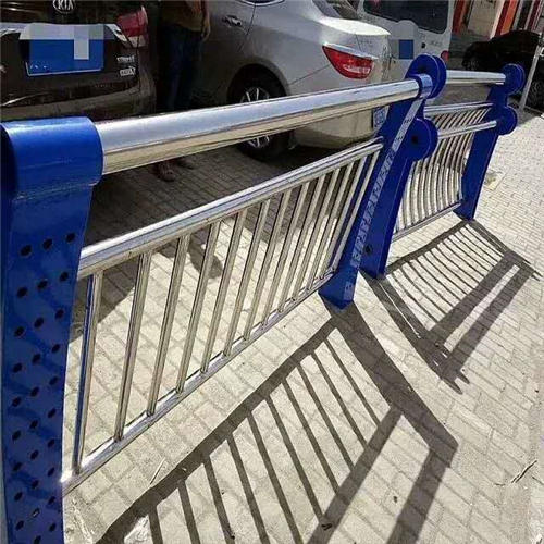 静安不锈钢碳素钢复合管桥梁护栏钢板立柱原厂供应