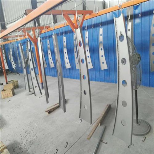 静安Q235钢板立柱供货商