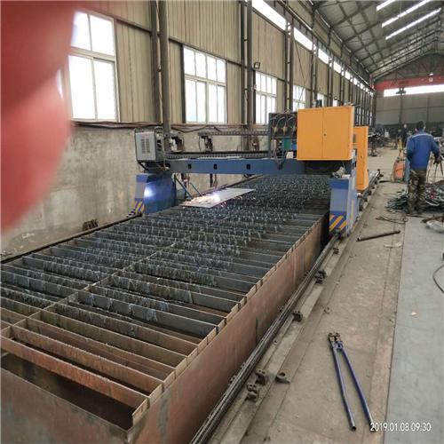 Q235钢板立柱原厂供应