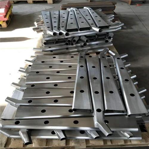 丰台Q235钢板立柱生产线