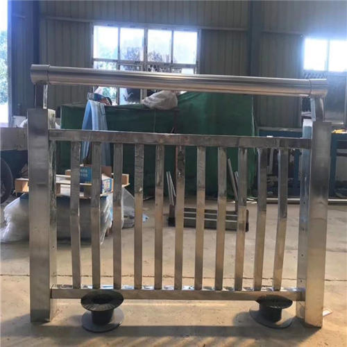 长宁Q235钢板立柱发货及时